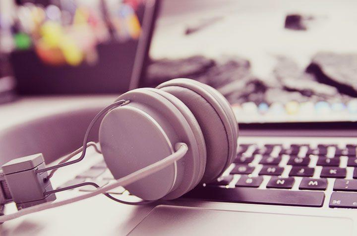 Carti audio: unde gasesc sa descarc si sa ascult un audiobook?