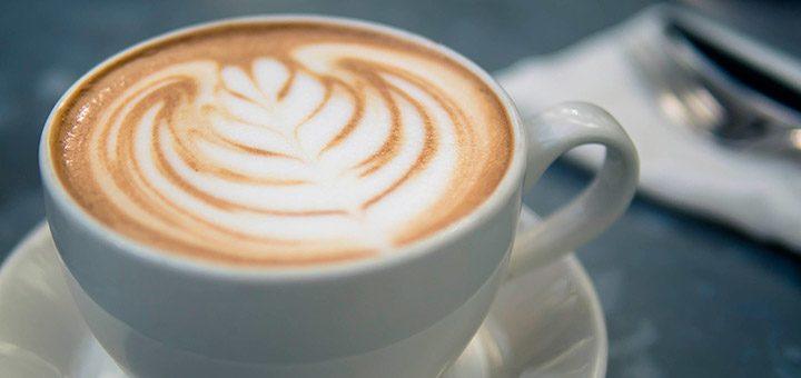 Espressor, cafetiera sau filtru de cafea – ce alegi?