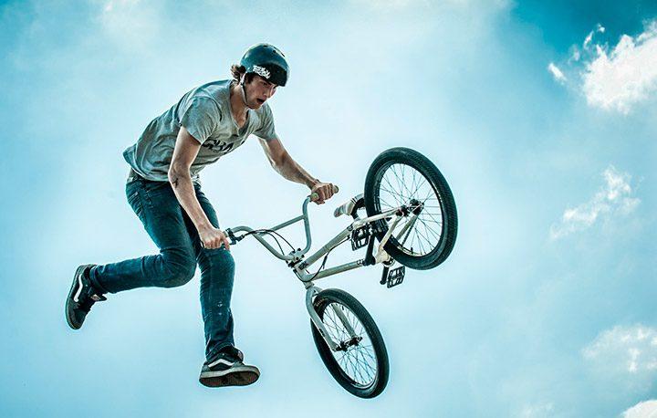 Ce trebuie sa stii despre alegerea unei biciclete, intretinere si accesorii