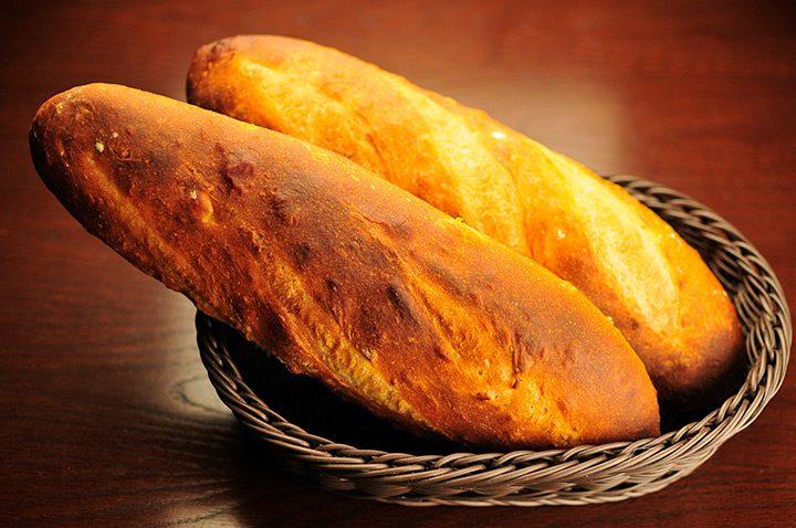 Masina de facut paine: patiserie direct la tine acasa
