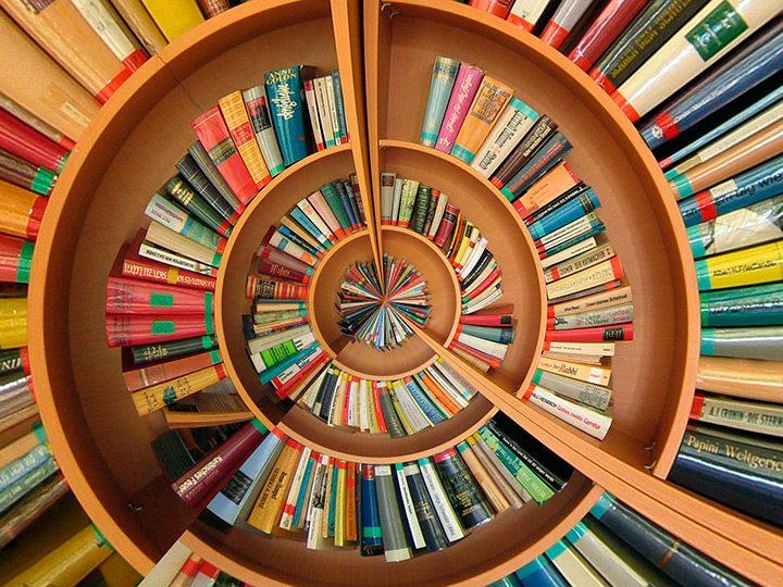 Carti de dezvoltare personala: top lecturi pentru autoeducare