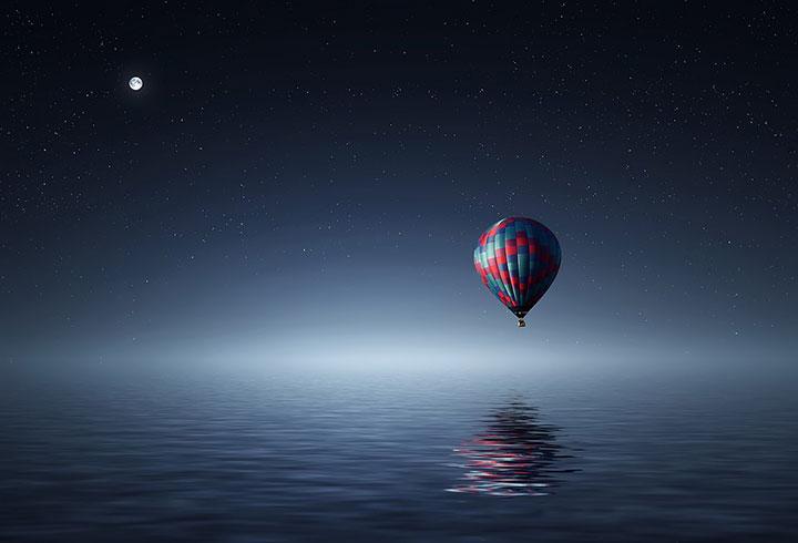 zbor cu balonul de valentine's day