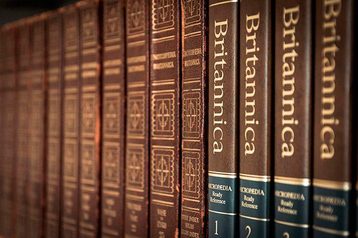 Cele mai importante enciclopedii care nu trebuie sa-ti lipseasca din biblioteca