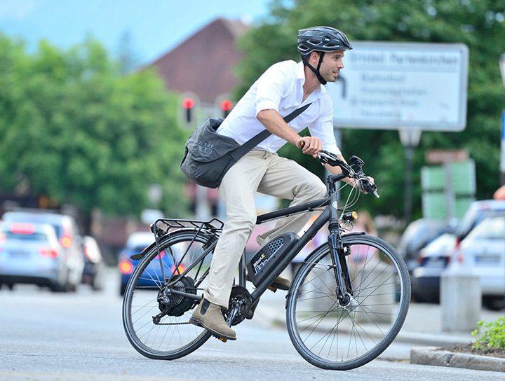 bicicleta electrica pentru mers prin oras