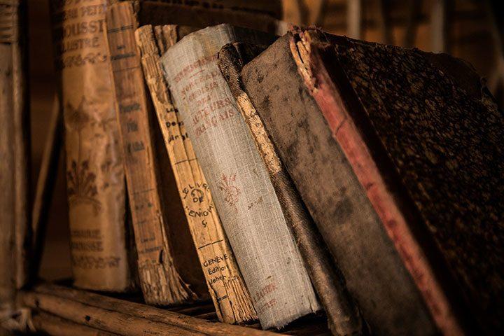 carti vechi editii rare