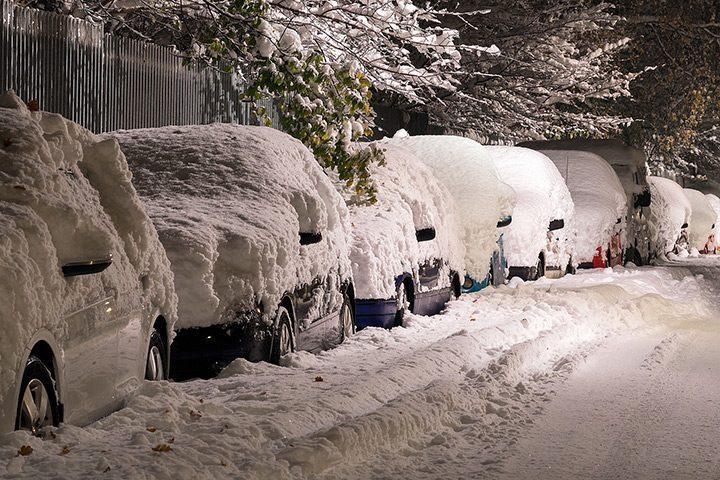 masini inzapezite in parcare