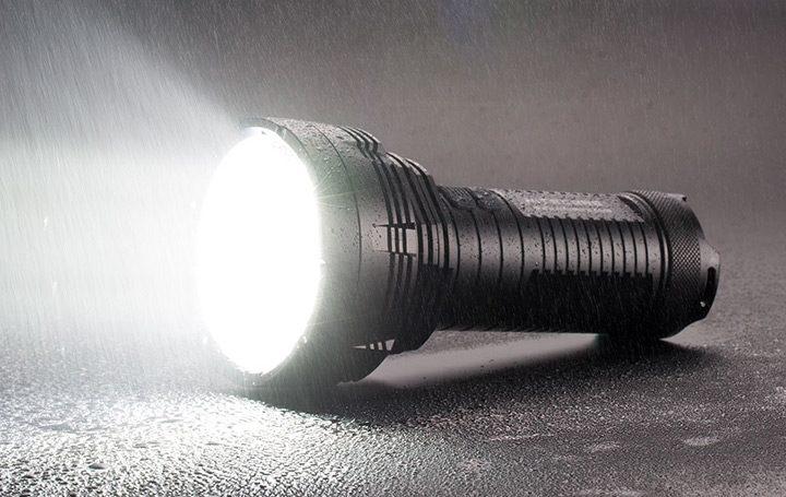 lanterna cu mai multe LED-uri