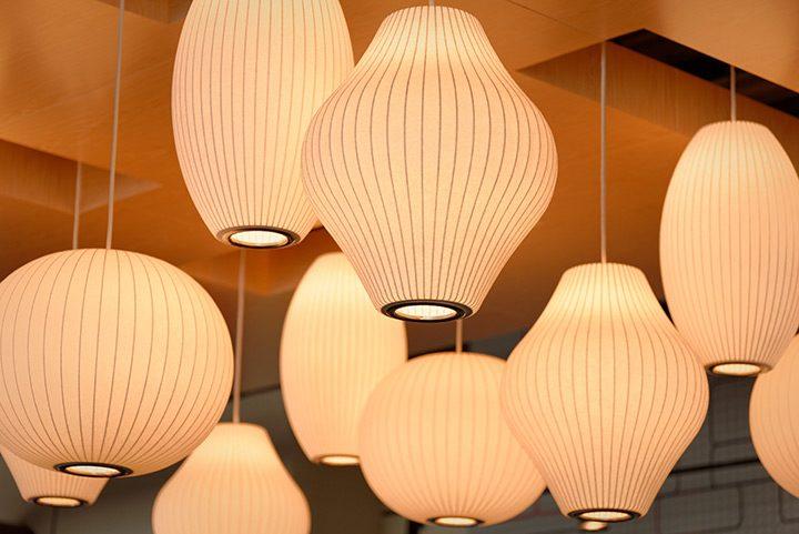 "Corpuri de iluminat interior: cum le alegi pentru o casa ""luminoasa"""