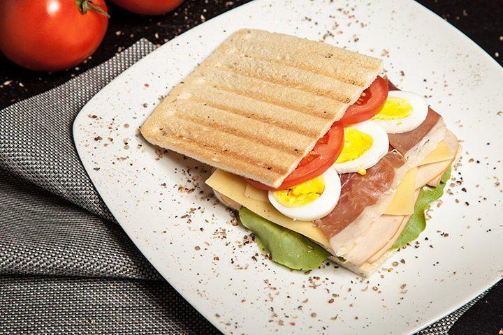 sandwich cu felii subtiri