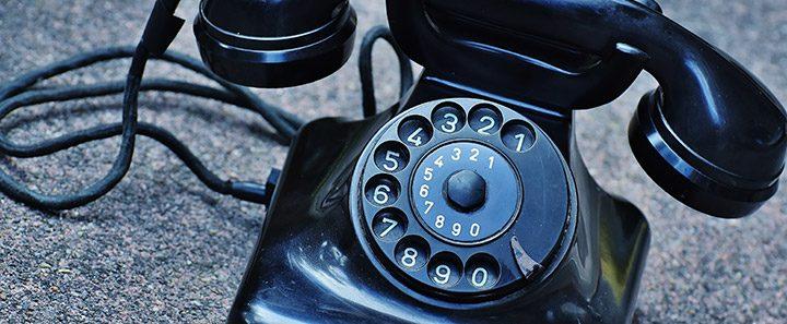 telefon clasic cu fir spiralat si rotita