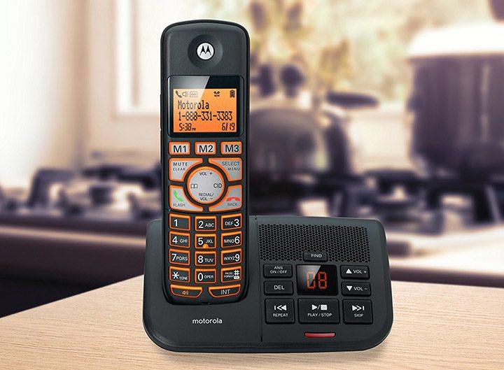 telefon fara fir cu robot telefonic
