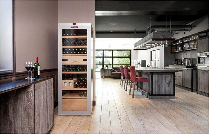 Vitrina pentru vinuri: cum alegi un racitor de vin pentru pastrarea si servirea vinului