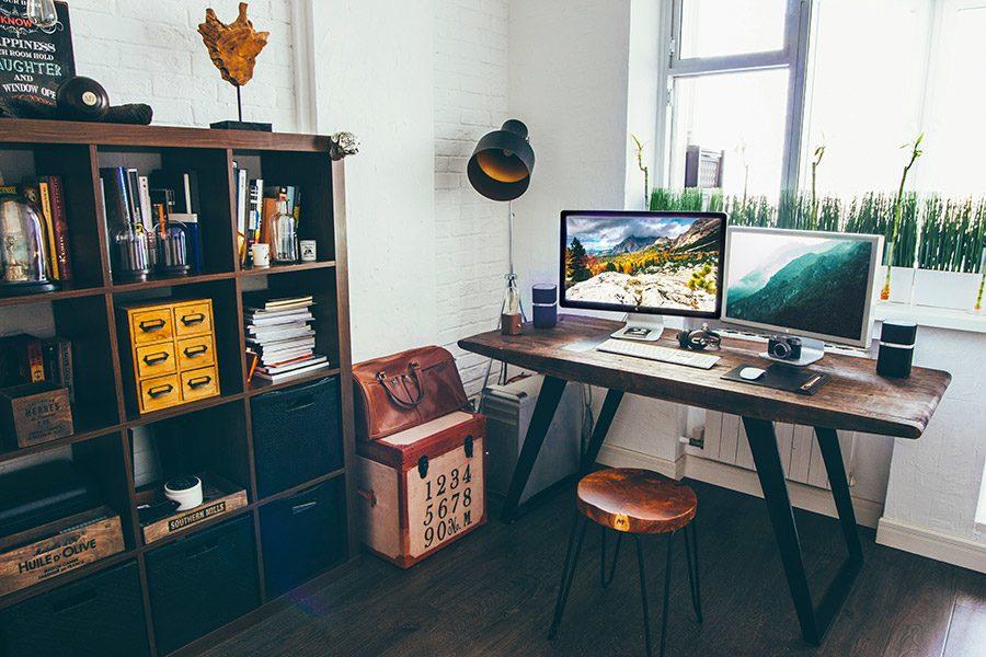Cum alegi un birou pentru calculator: dimensiuni, ergonomie, constructie