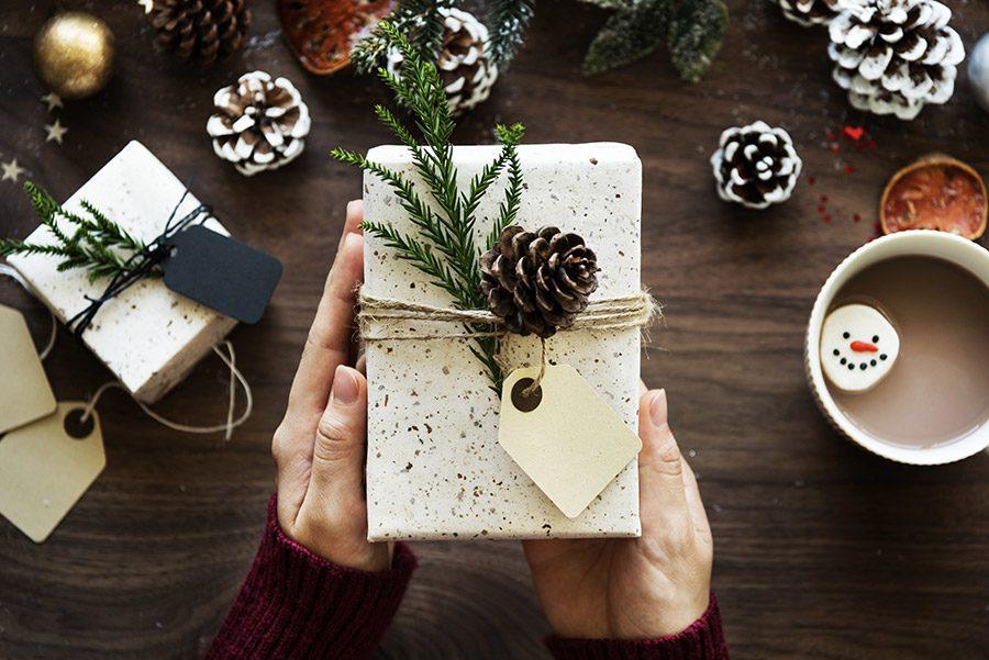 Cadouri de Mos Nicolae: idei pentru el, pentru ea si pentru copii