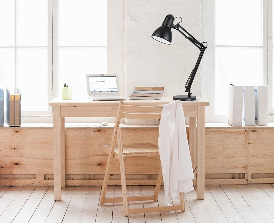 lampa de birou cu baza fixa
