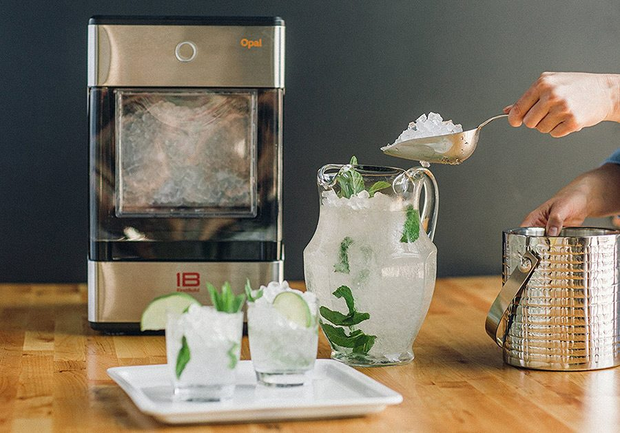 Masina de facut gheata: solutia pentru bauturi reci pe toata durata anului