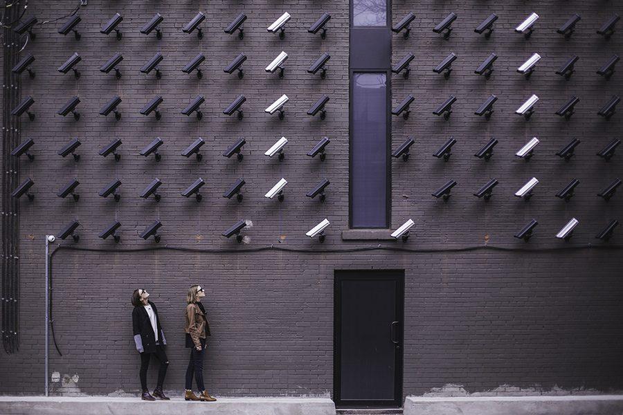 Sisteme cu camere de supraveghere CCTV: ce trebuie sa stii cand alegi