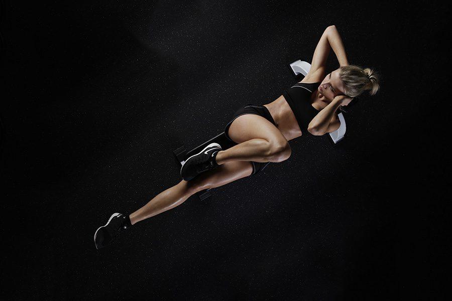 Cum alegi un aparat sau o banca de abdomene pentru exercitii in casa