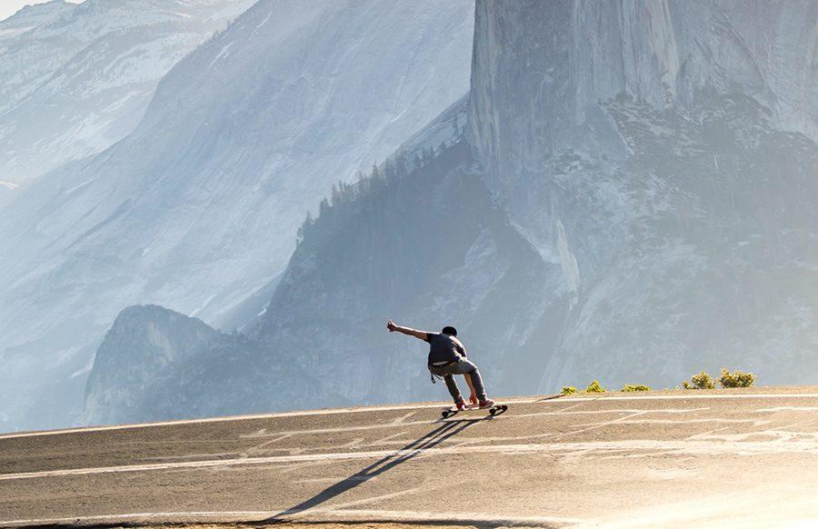 Skateboard electric – mijlocul de deplasare modern cu personalitate