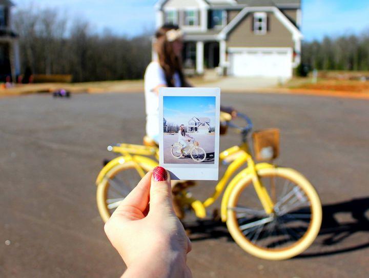 Aparate foto instant: poze la minut pentru momente unice
