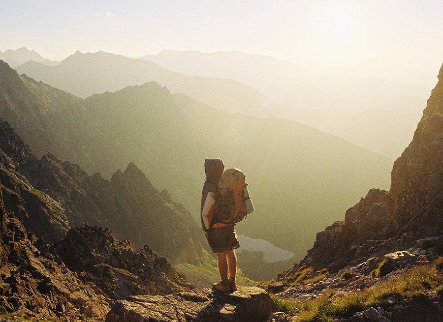 Rucsac de munte: cum il alegi pentru drumetii memorabile