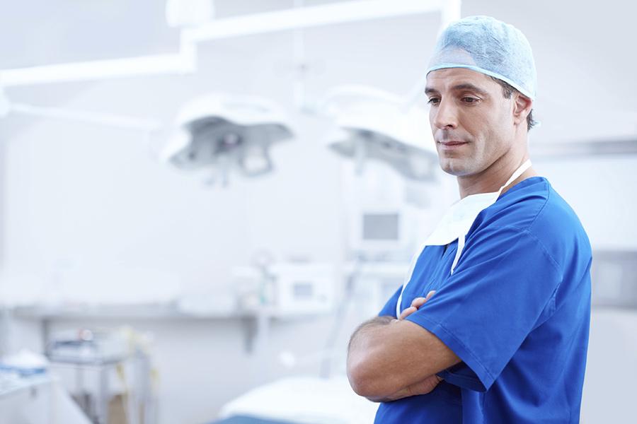 doctor in sala de operatie