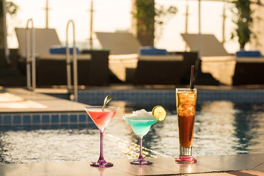 cocktail piscina