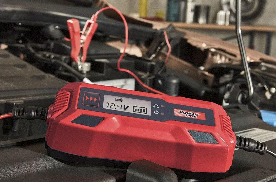 Redresoare auto, startere si incarcatoare: solutii pentru o baterie moarta