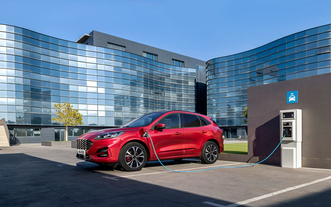 Ford Kuga 2020: noutati, motoare, preturi si echipari
