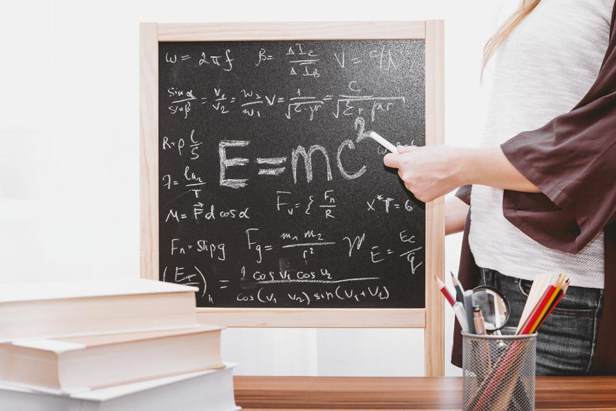 invatat fizica tabla creta