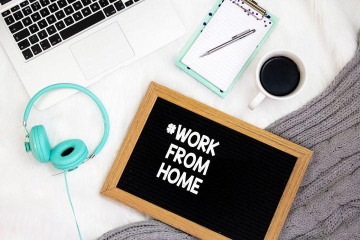 Cum iti organizezi spatiul pentru lucru de acasa: accesorii utile Work From Home