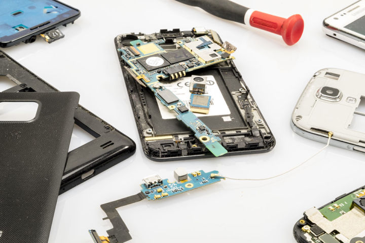 Fenix.eco: salveaza planeta cu telefoane refurbished