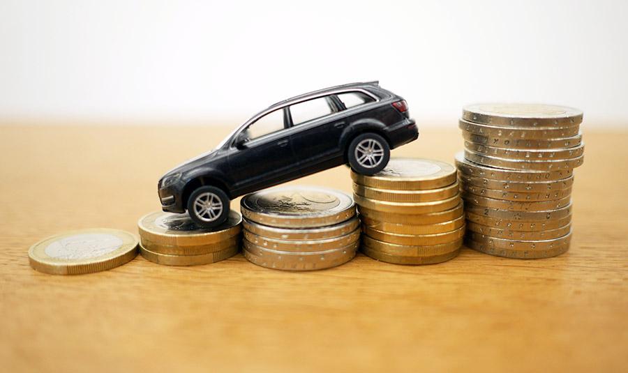 Credit Auto vs Leasing: modalitati diferite de a cumpara o masina