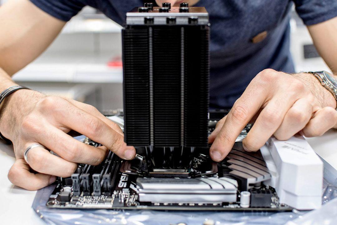 Configuratie PC Octombrie 2020: calculatoare complete la 2000, 4000 si 6000 de lei