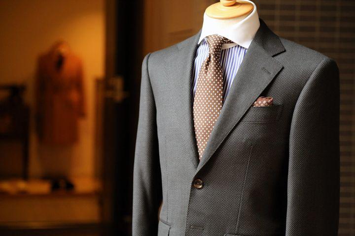 Cele 3 moduri in care poti cumpara un costum pentru barbati