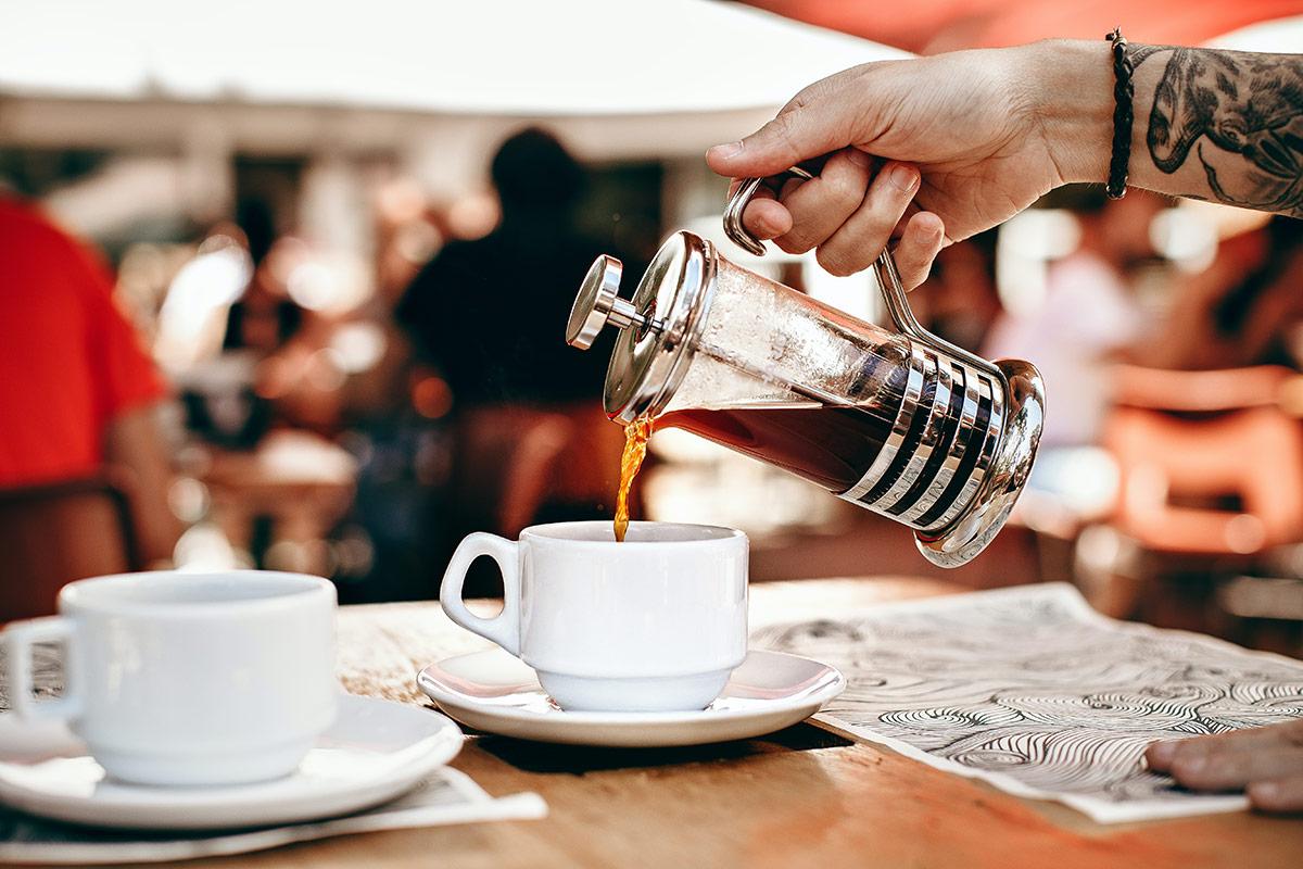 French press: ce este si cum il alegi pentru a face o cafea buna