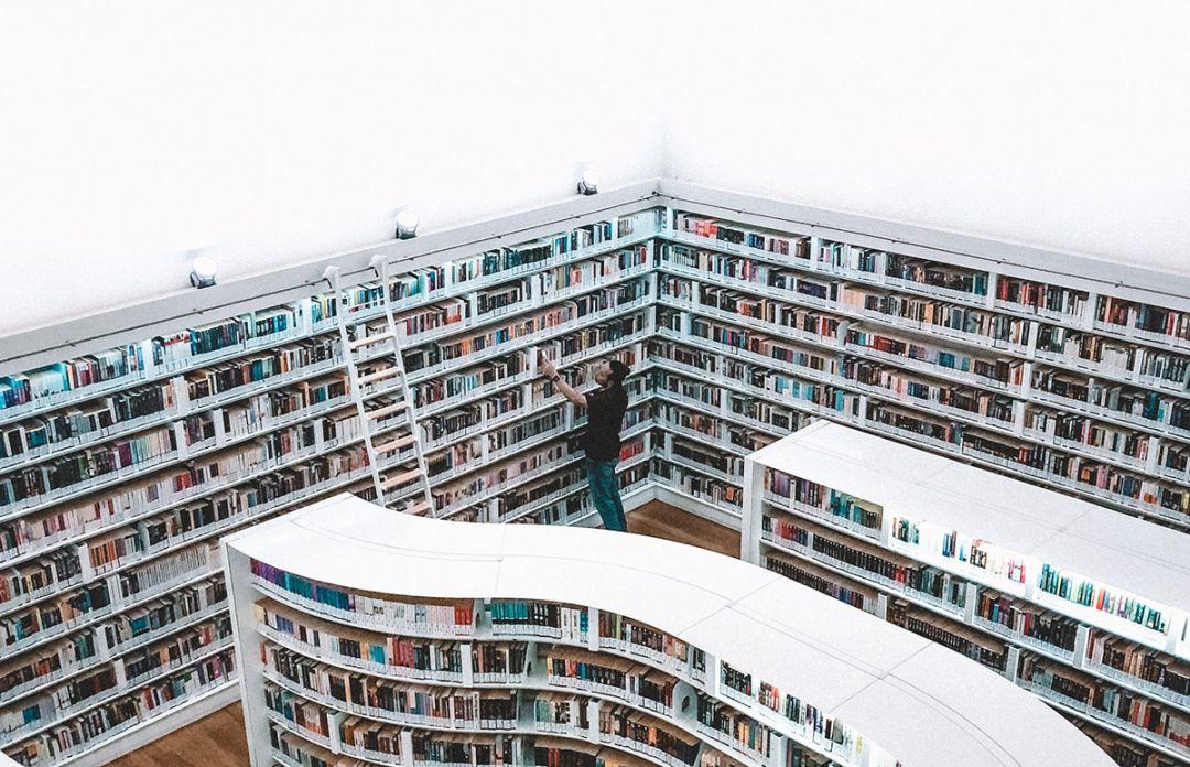 Black Friday pentru biblioteca ta – recomandarile Shopniac