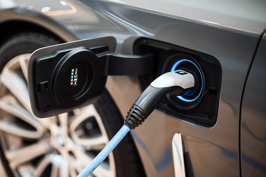 Opinie: sunt masinile electrice viitorul sau doar o solutie de moment?
